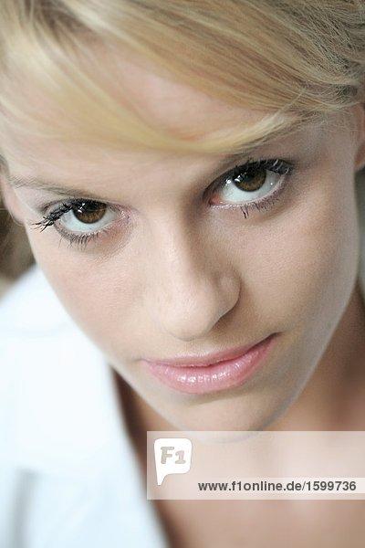 Portrait einer jungen Frau's face