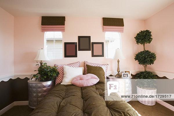 Hochwertig Rosa Und Braun Mädchens Schlafzimmer