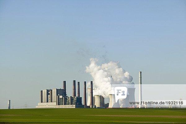 Kohlenkraftwerk bei Neurath