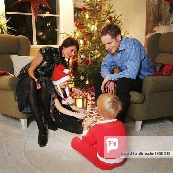 Eröffnung Weihnachtsgeschenke