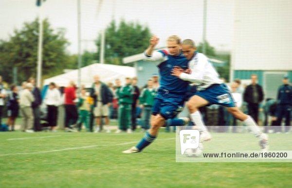 Zwei Fußballspieler