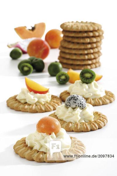 Tarteletts mit Früchten und Frischkäse  Nahaufnahme