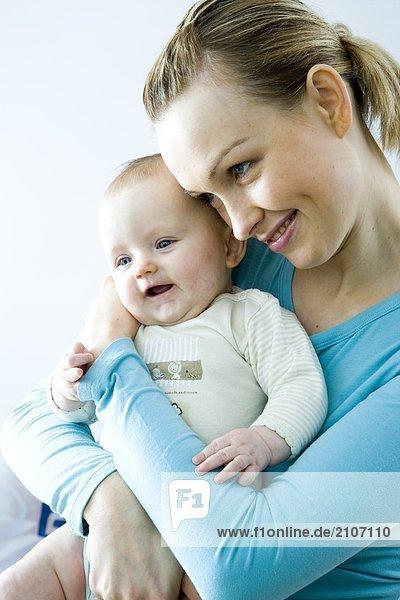 Porträt von Mutter mit Kind