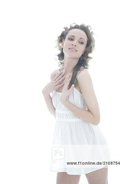 Frau in weißen Rock