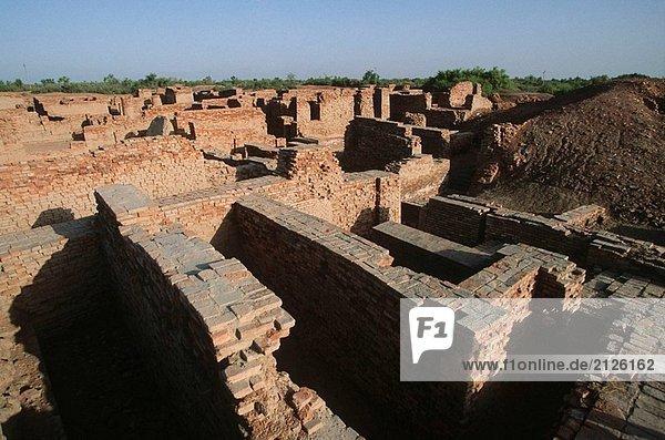 Pakistan  Sind Region  Mohenjo-Daro  bath