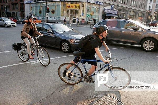 Canada  Montreal  Avenue du Parc  Fahrräder  Autos  Verkehr