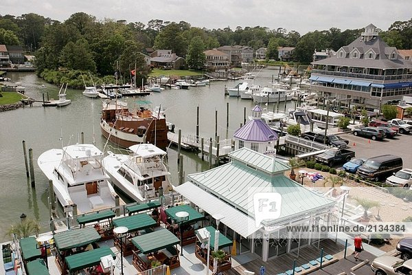Virginia Beach  See Rude  Rudee´s auf das Inlet Restaurant  Rockafellers  Pieces Of Eight Pirate Cruise  Marina. Virginia. USA.