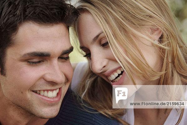 Lächelnd paar
