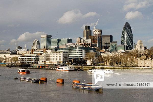 Nordufer der Themse und die Gurke. London. England. UK.