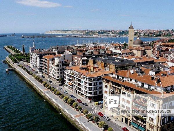 Blick Getxo (Bilbao Mündung) aus Bizkaia Hängebrücke. Portugalete-Getxo. Bizkaia. Euskadi. Spanien.