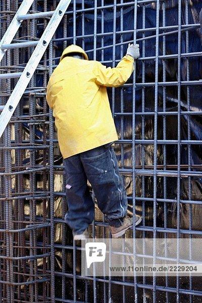 Construction Worker Klettern Stahl Infoleiste