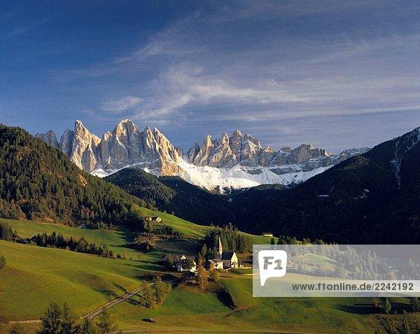 Die Dolomiten von Villnoss. South Tyrol  Italien Die Dolomiten von Villnoss. South Tyrol, Italien