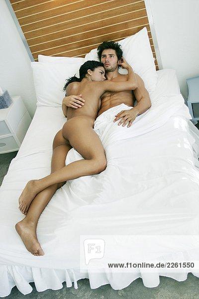Nackt Paar im Bett 125JBE03041,Bett,Bettdecke,Bettlaken,Bettwäsche ...