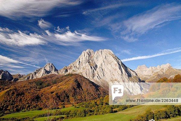 Lescun Valley  Pyrenäen. Frankreich. Lescun Valley, Pyrenäen. Frankreich.