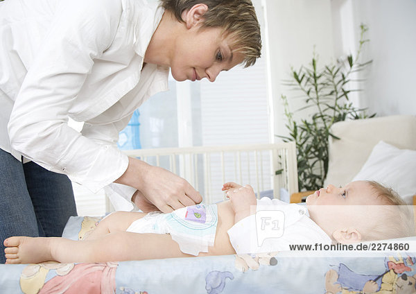 putzt sich Baby Mama