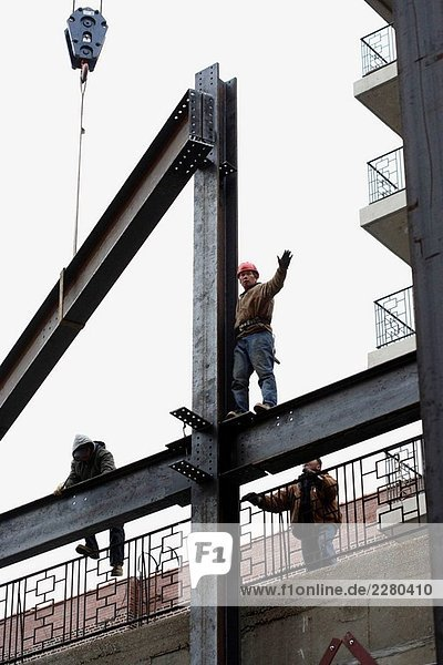 Stahl Bauarbeiter Steigerung von Stahl