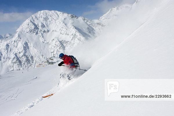 Österreich  Tirol  Stubaital  Männerskilauf