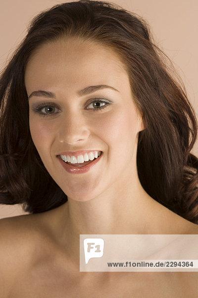 Junge Frau  Lächeln  Porträt