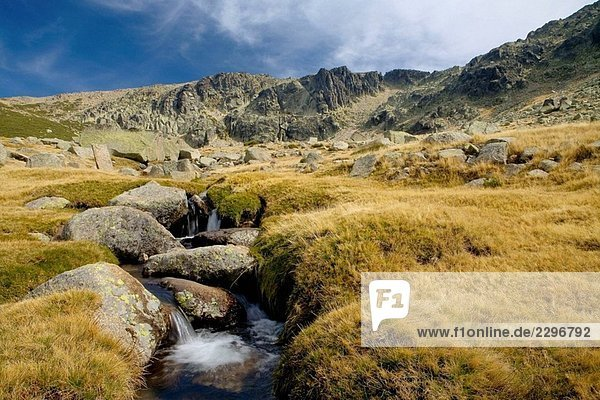 Cuerpo de Hombre Fluss entspringt  Hoya Moros. Provinz Salamanca. Castilla y Leon. Spanien. Cuerpo de Hombre Fluss entspringt, Hoya Moros. Provinz Salamanca. Castilla y Leon. Spanien.