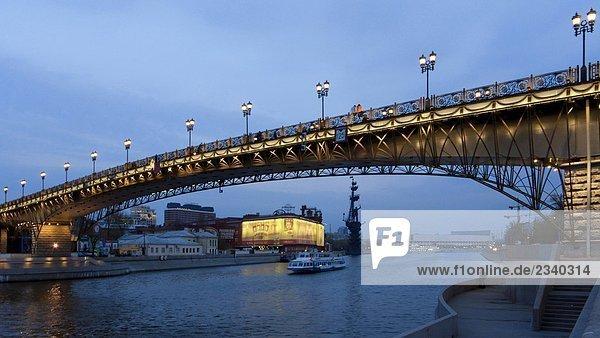 Russland  Moskau  der Patriarch Brücke  river