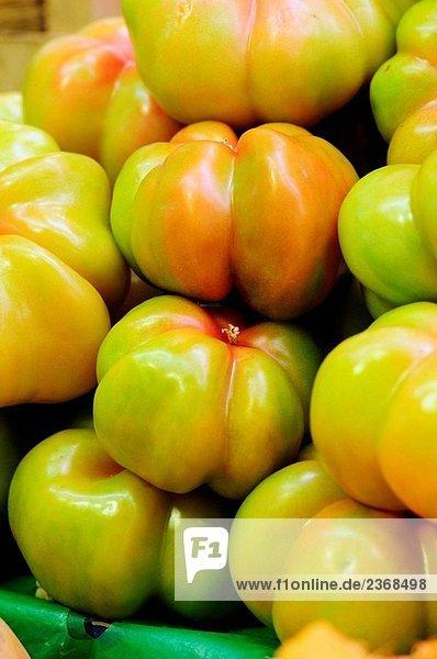 Tomaten zu verkaufen in La Boqueria-Markt  Barcelona. Katalonien  Spanien