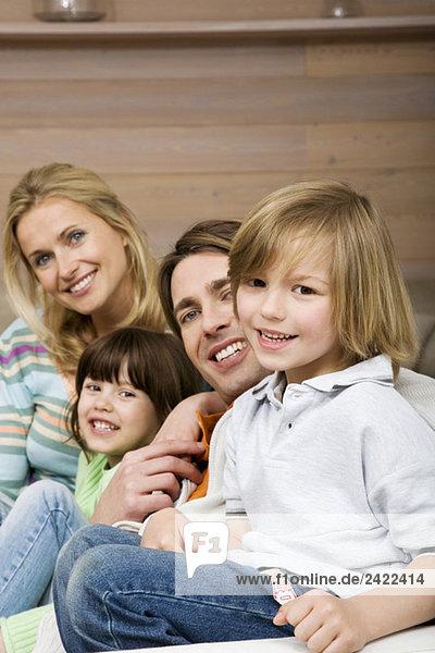 Familienporträt  lächelnd