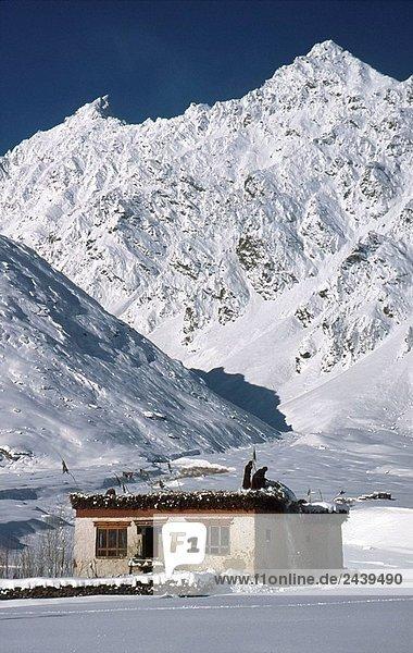 nahe Winter Wohnhaus Einsamkeit Schnee