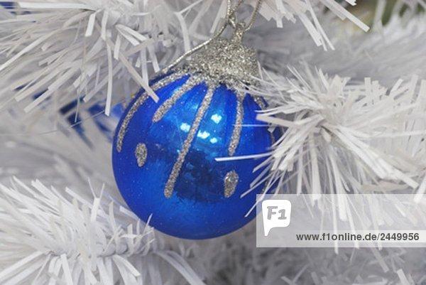 blau Spielerei hängen Weihnachtsbaum