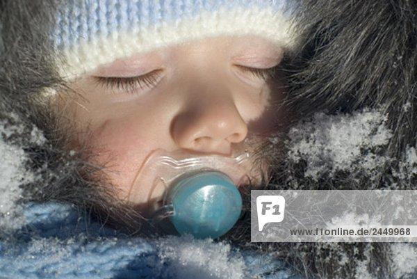 Halbportrait Winter Kleidung schlafen Schnuller Baby Halbportrait,Winter,Kleidung,schlafen,Schnuller,Baby