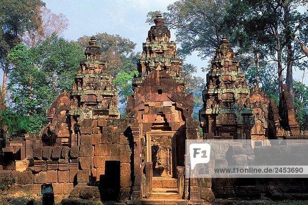 TEMPLE OF BANTEAY SREI  ANGKOR  CAMBODIA