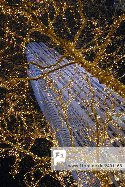 USA  New York City: Rockefeller Center in der Nacht
