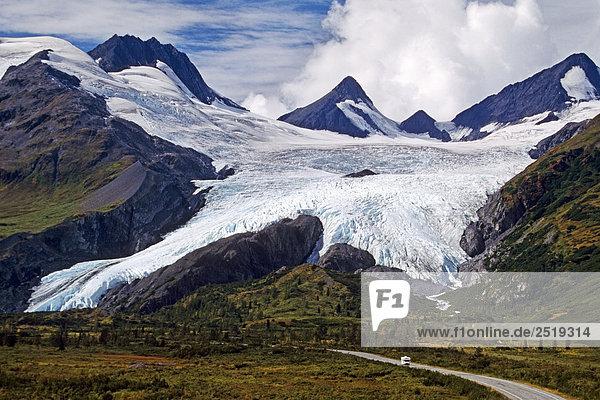 Berg Reise Sommer frontal Süden Wohnmobil Autobahn Alaska