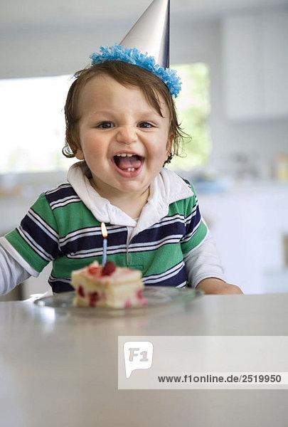 Baby erstes Geburtstagslächeln