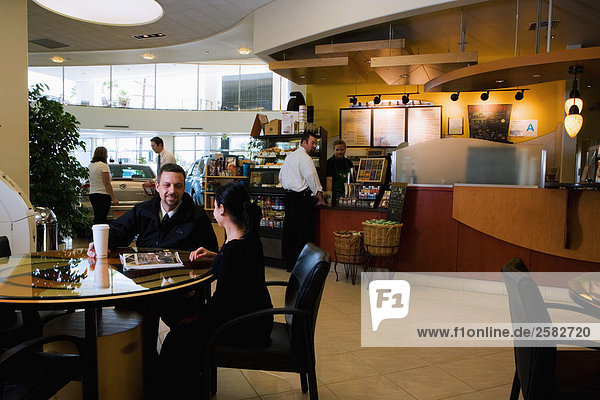 Coffee-Shop bei Autohaus