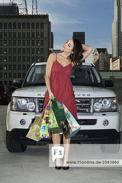junge Frau junge Frauen Sport Tasche kaufen Land Rover