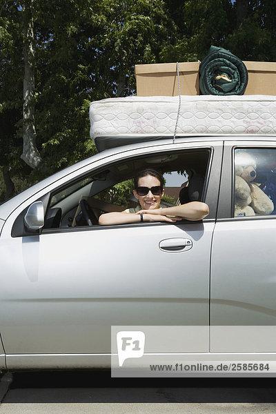 sitzend binden Hochschule Mädchen Chevrolet