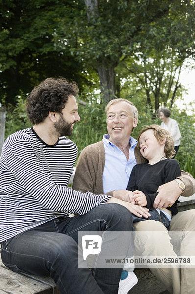 Männer mit Kind