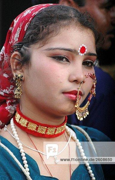 Mapusa Goa  Indien  eine Figurant während der Parade Shigmotsav