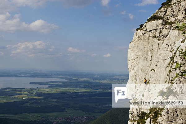 Gederer Wand  Man free climbing