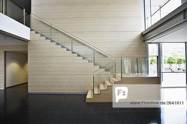 Treppenhaus Modern gebäude treppenhaus büro modern lizenzfreies bild bildagentur