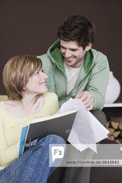 Interior  zu Hause  Zusammenhalt  jung  Dokument  vorlesen