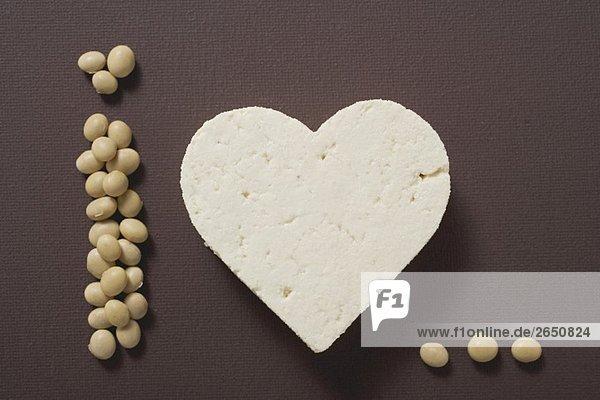 Tofu-Herz und Sojabohnen