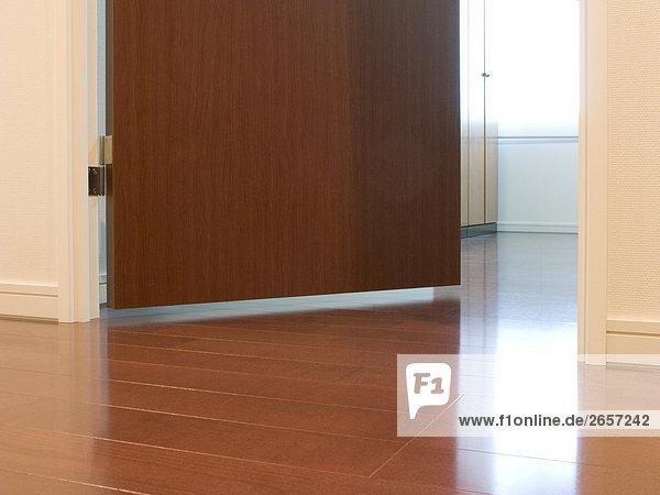 Fußboden Im Haus ~ Anschnitt boden braun fußboden haus score. by aflo lizenzfreies