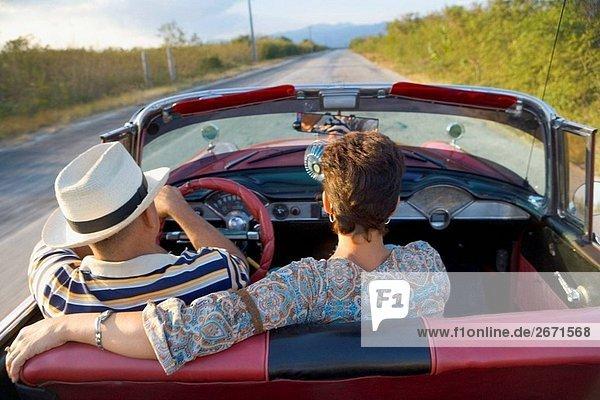 Paar 1950 Chevrolet Cabrio  Kuba
