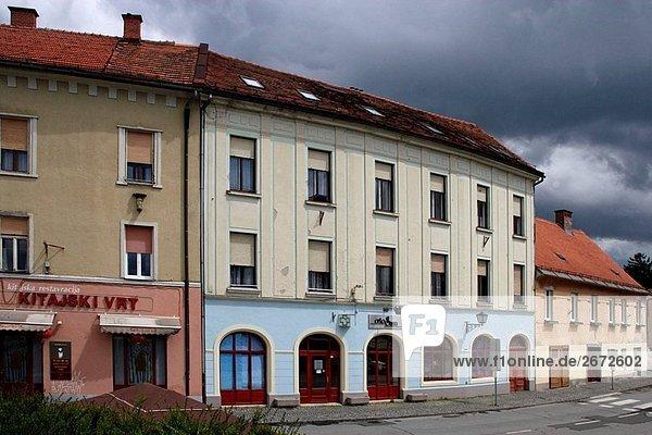 Ptuj  Altstadt  typischen Gebäude  Slowenien
