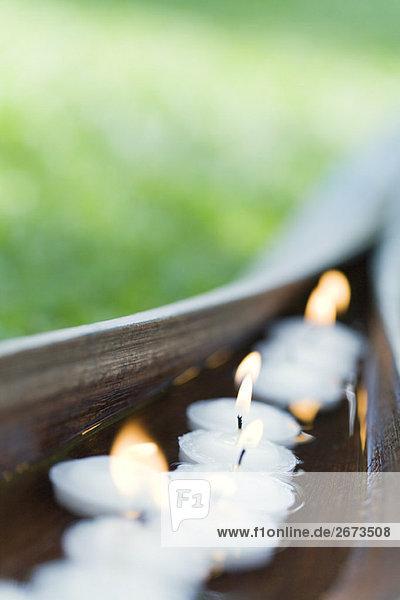 beleuchtet Wasser Pflanzenblatt Pflanzenblätter Blatt fließen Kerze