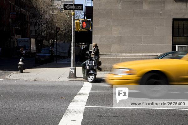 Taxis von Downtown New York street