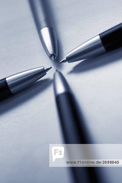 Nahaufnahme der vier Kugelschreiber