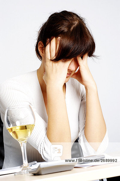 Nahaufnahme der Blick deprimiert geschäftsfrau