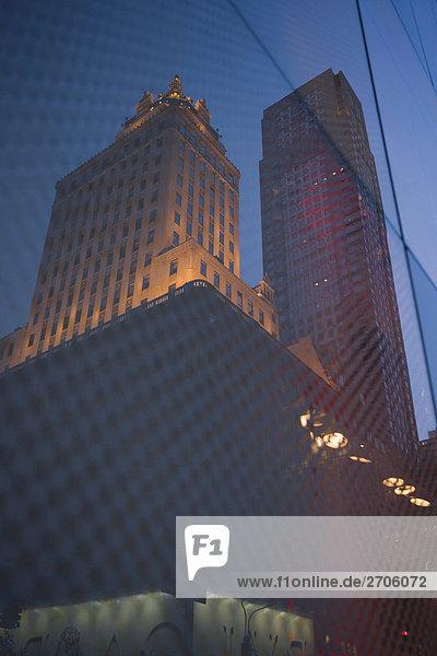 Untersicht der Hochhäuser in einer Stadt  Fifth Avenue  Manhattan  New York City  New York State  USA